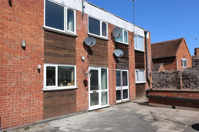 3 bed flat for sale in High Street, Alcester B49