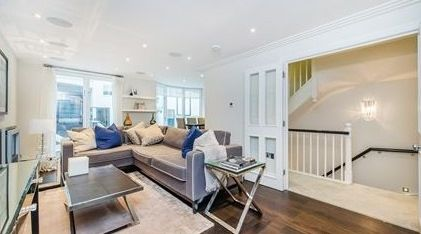 Thumbnail Terraced house to rent in Peony Court, 13 Park Walk, Chelsea, London