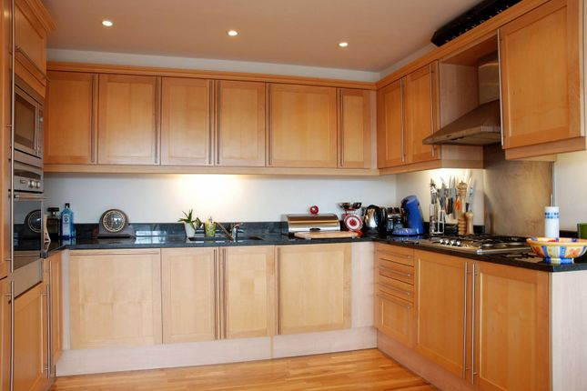 Thumbnail Flat to rent in Ferry Quays, Brentford