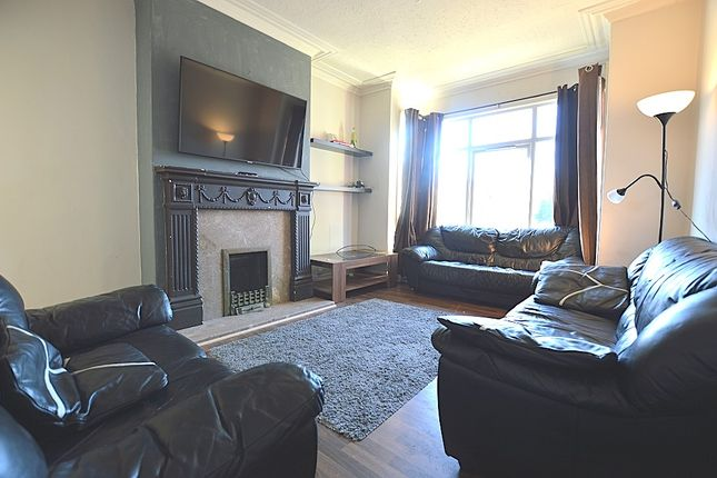 Thumbnail Semi-detached house to rent in South Parade, Headingley, Leeds