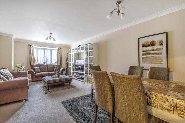 Windsor House - Lounge