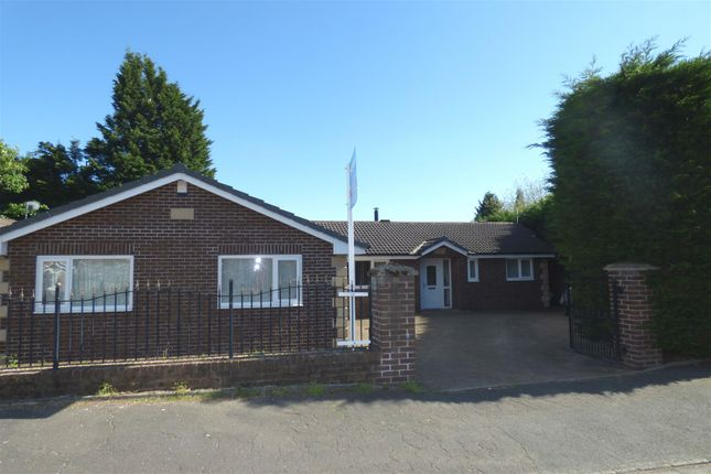 Thumbnail Detached house for sale in Rudgwick Drive, Bury