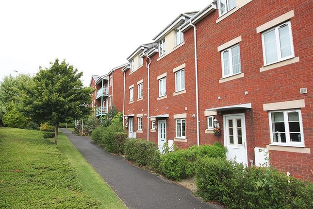 Thumbnail Room to rent in Russell Walk, Exeter
