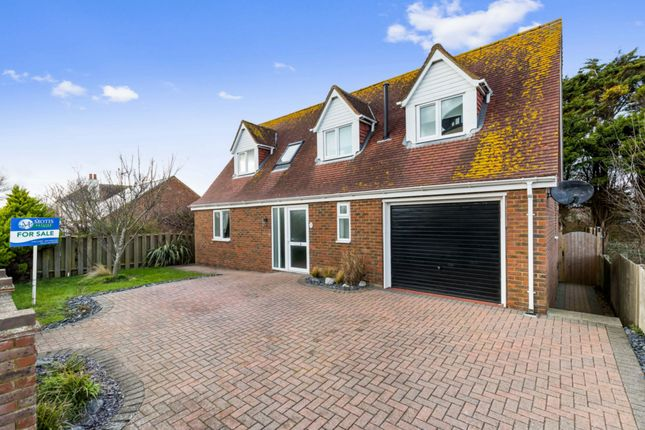 Thumbnail Detached house for sale in Hythe Road, Dymchurch