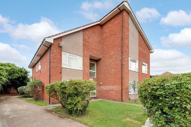 Thumbnail Flat for sale in Chattern Hill, Ashford