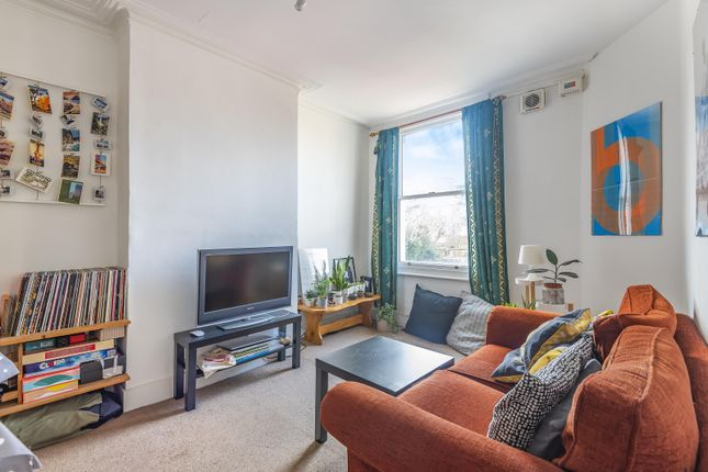 Thumbnail Flat for sale in Harbut Road, London