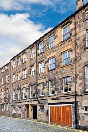 Office to let in 41 Thistle Street Lane South West, Edinburgh