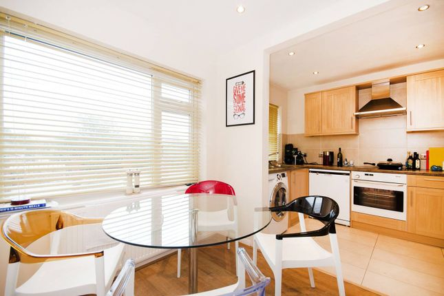 Thumbnail Flat to rent in Uxbridge Road, Hatch End, Pinner