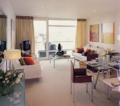 2 bed flat to rent in Sloane Court East, London