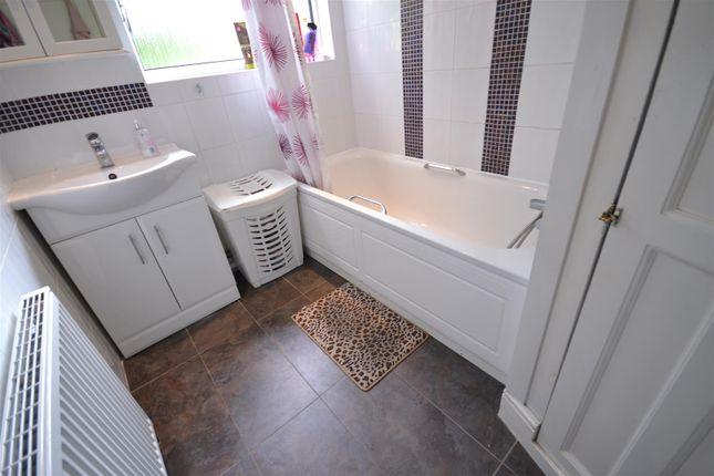 Bathroom of Malvern Avenue, South Harrow, Harrow HA2