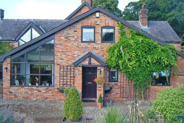 Thumbnail Barn conversion to rent in Massey Lodge Cottage, Tarporley Road, Oakmere, Cheshire