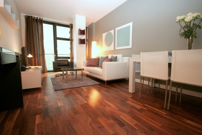 2 bed flat for sale in South Quay Square, London