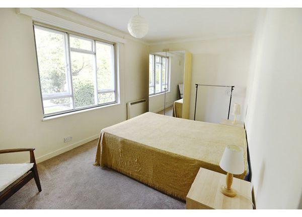 Thumbnail Bungalow to rent in Langton Way, Blackheath