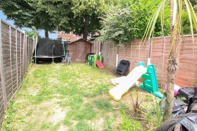 Picture No. 21 of Doveney Close, St Pauls Cray, Kent BR5