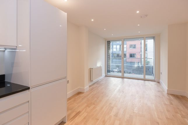 Thumbnail Flat to rent in St. Anne's Street, Canary Wharf