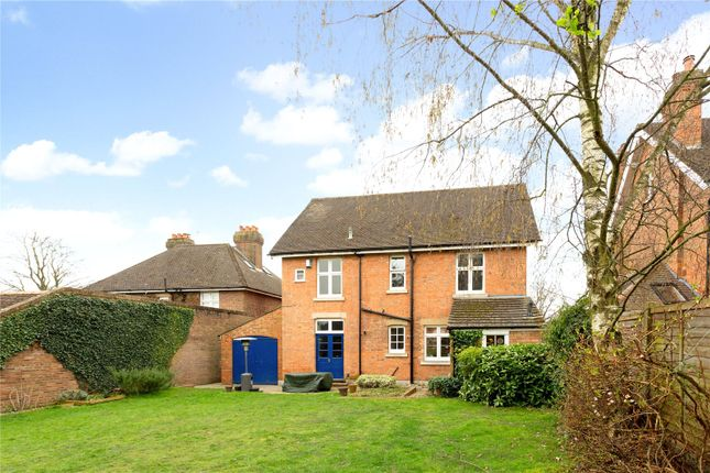 Picture No. 23 of Amenbury Lane, Harpenden, Hertfordshire AL5