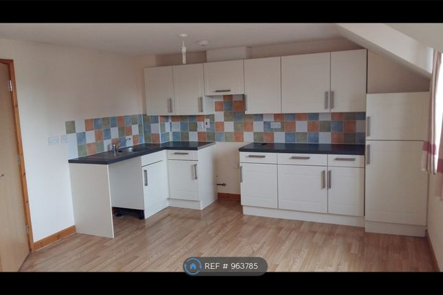 2 bed flat to rent in Parliament Street, Crediton EX17