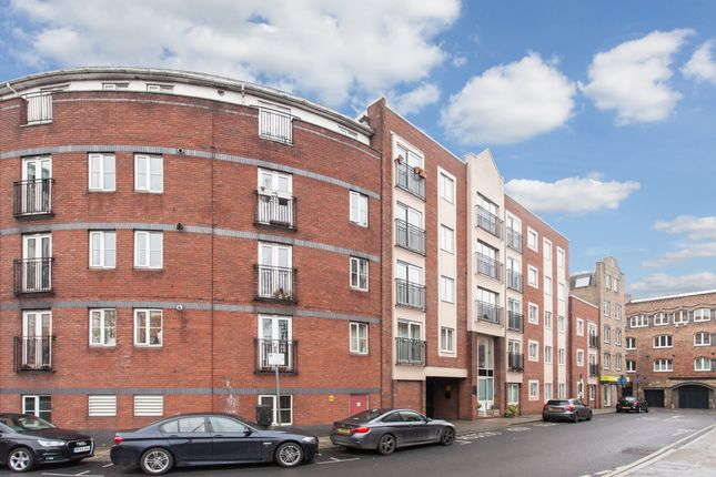 Thumbnail Flat for sale in Spert Street, London