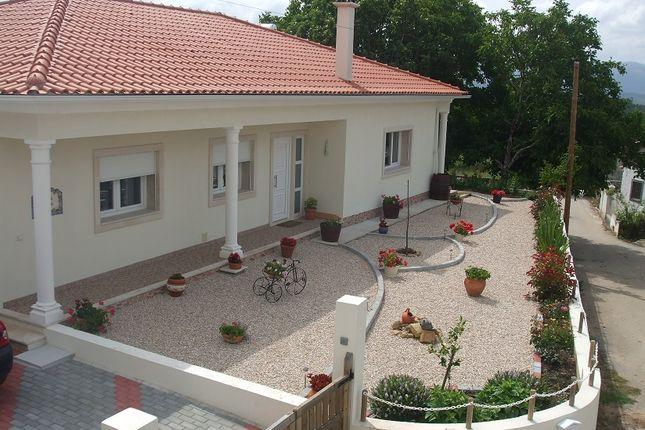 Thumbnail Detached bungalow for sale in Penela, Podentes, Penela, Coimbra, Central Portugal