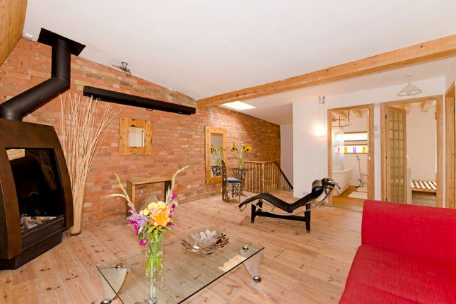 Thumbnail Flat for sale in Tower Terrace, London
