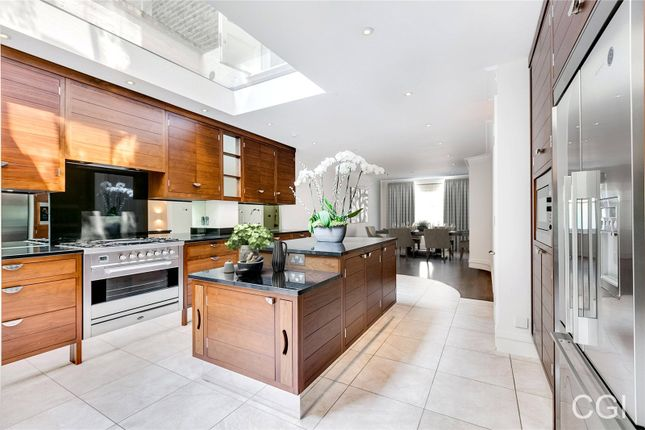 Thumbnail Terraced house for sale in Ansdell Terrace, London