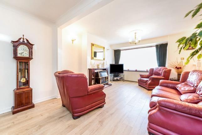 Lounge of Mawneys, Romford, Havering RM7