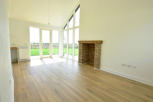 Living Room of Manor Farm Close, Cliffe, Rochester ME3