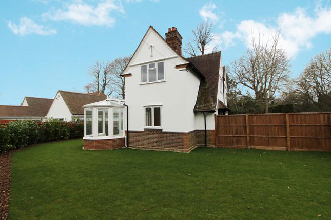 3 bed detached house for sale in Rowley Lane, Arkley