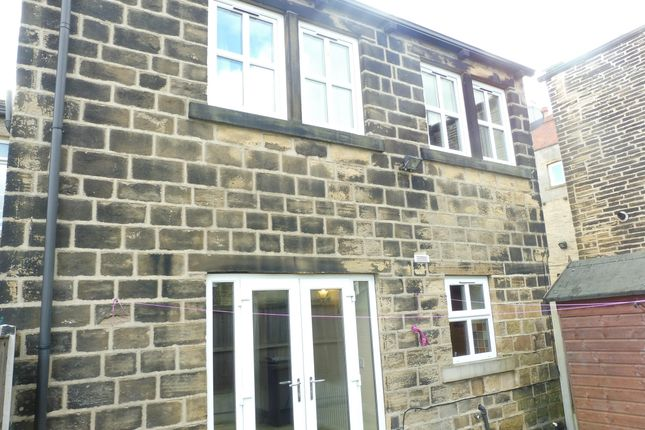 Thumbnail Property to rent in Greenside, Pudsey