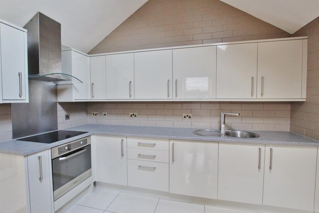 Flat to rent in Christchurch Road, Boscombe, Bournemouth