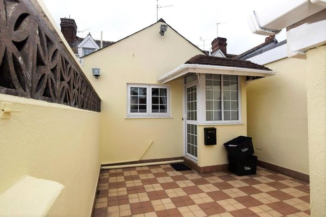 Thumbnail Maisonette to rent in Tower Road, Paignton, Devon
