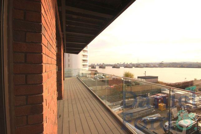 Thumbnail Flat to rent in Starboard Way, Royal Docks, London
