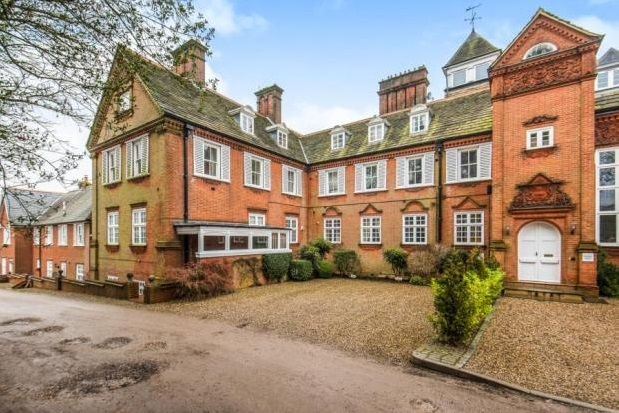 Thumbnail Maisonette to rent in Ranmore Place, Dorking