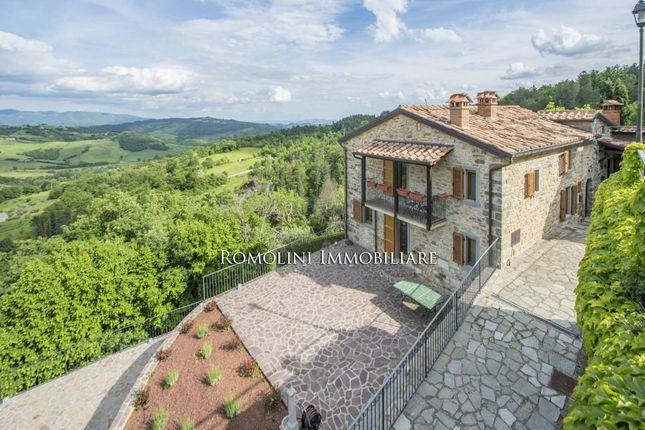 Thumbnail Property for sale in Caprese Michelangelo, Tuscany, Italy