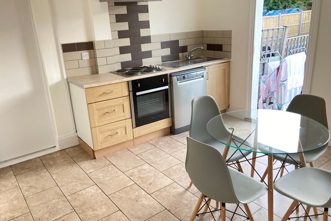 Thumbnail Flat to rent in Very Near Launceston Road Area, Perivale