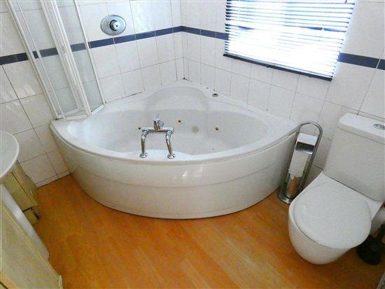Bathroom of Lindale Gardens, Blackpool FY4