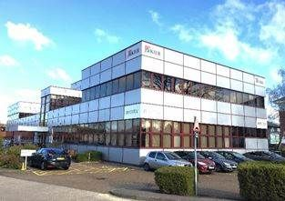 Thumbnail Office to let in Platinum House, Sussex Manor Business Park, Crawley, West Sussex