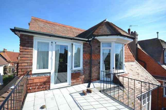 Flat to rent in Arlington Road, Eastbourne