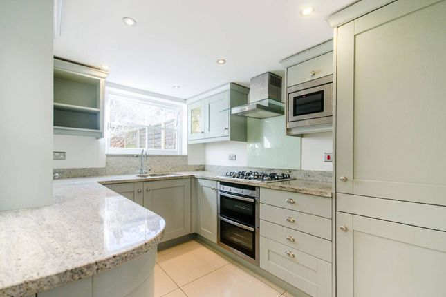 Thumbnail Cottage to rent in Furzefield Road, Blackheath