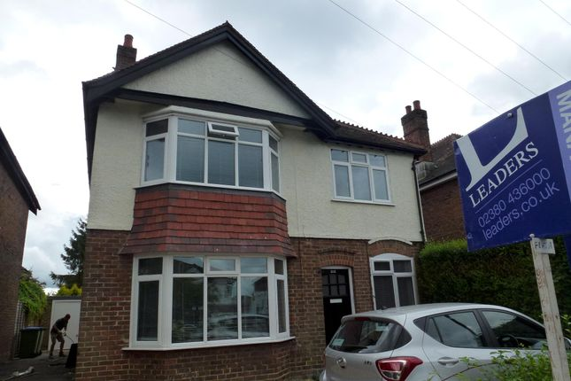 Thumbnail Flat to rent in Peartree Avenue, Southampton