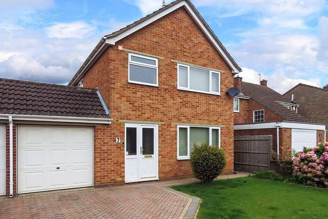 Thumbnail Terraced house to rent in St. Peters Crescent, Bicester, Oxfordshire