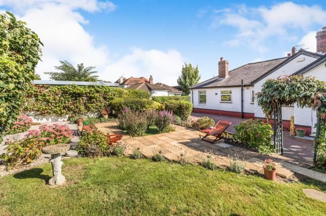 Thumbnail Bungalow for sale in Bromwich Road, Worcester, Worcestershire, .