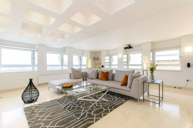 Thumbnail Flat to rent in Shad Thames, Shad Thames