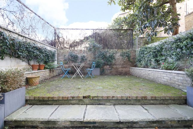 Garden of Cornwall Crescent, London W11