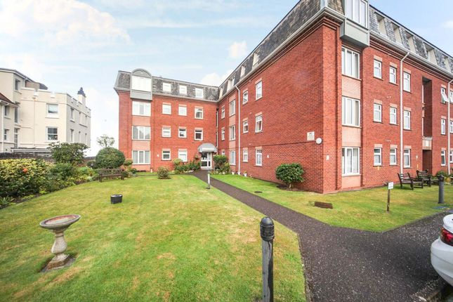 2 bed flat for sale in North Road, Minehead TA24