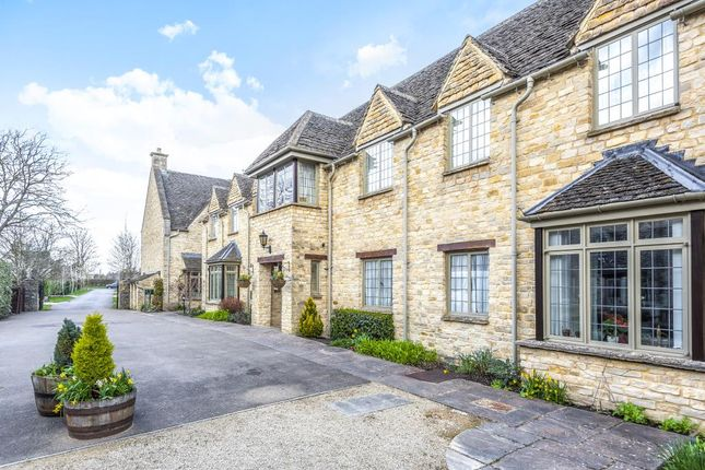 Thumbnail Flat for sale in Shipton-Under-Wychwood, Oxfordshire