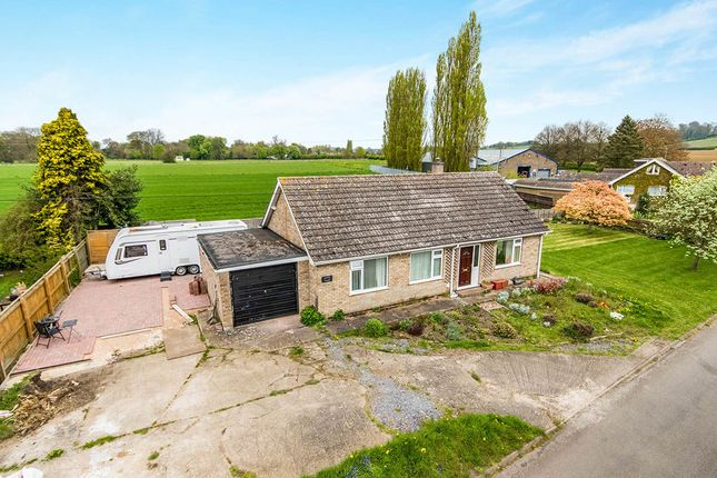 Thumbnail Bungalow for sale in Cliff View, Aisthorpe, Lincoln