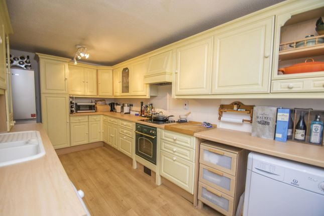 Kitchen of Bensgrove Close, Woodcote, Reading RG8