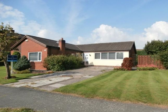 Thumbnail Bungalow to rent in Lache Lane, Chester