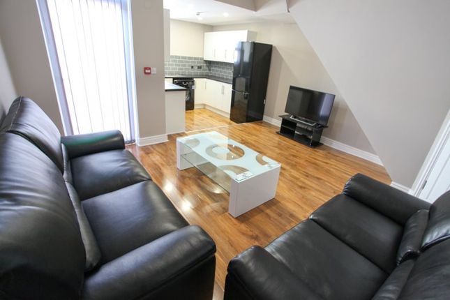 5 bed terraced house to rent in Fell Street, Liverpool L7